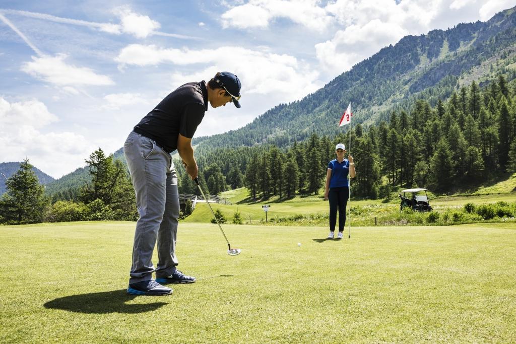 Golf-International-Montgenèvre-Steph-Candé-hautes-alpes-golfeur-green